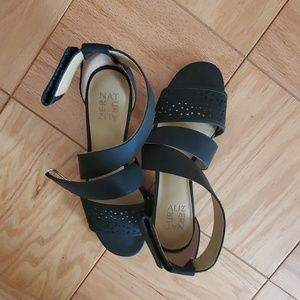 Black low casual sandals